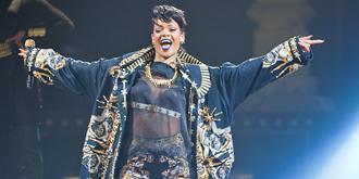 Rihanna - Rod Laver Arena, Melbourne | 30th of September 2013